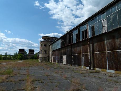 Verfallene Flugzeugwerke Rangsdorf | kapuzina